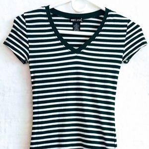 #K2 Girl's Wet Seal V-Neck T-shirt